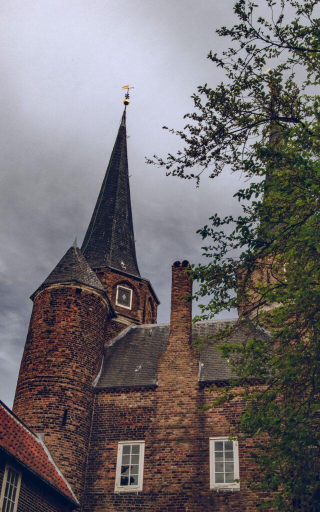 delft paesi bassi city landscape dark clouds castello temporale