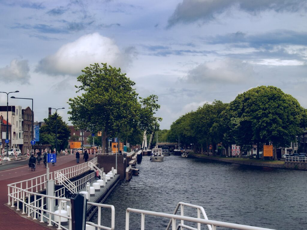 delft paesi bassi city landscape canale