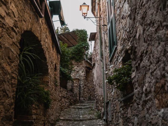 colla micheri fotografia borgo italiano