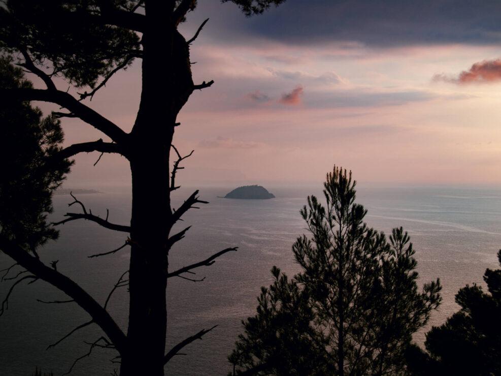 colla micheri fotografia paesaggio alba isola