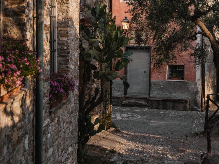 colla micheri fotografia paesaggio alba borgo