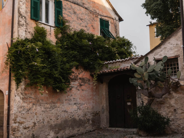 colla micheri fotografia paesaggio alba borgo antico