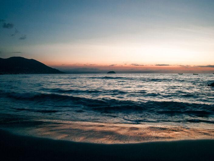 laigueglia fotografia mare all'alba