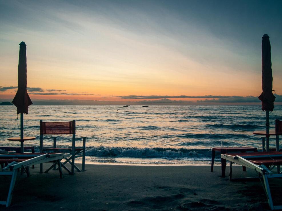 laigueglia foto spiaggia alba