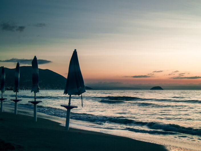 laigueglia fotografia spiaggia all'alba