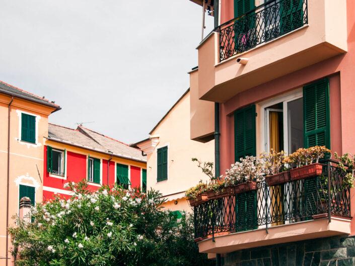 laigueglia balconi fioriti foto