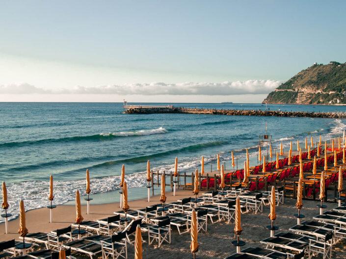 spiaggia bagnanti alba fotografia