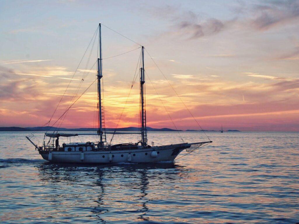 landscapes photography: a portfolio selection barca tramonto croazia