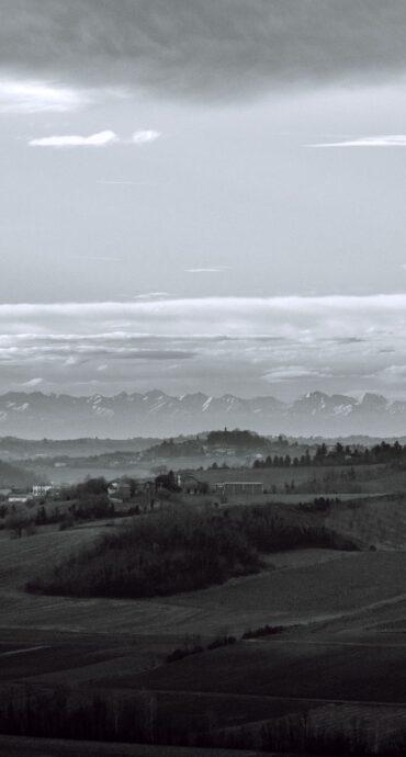 alpi paesaggio bianco e nero