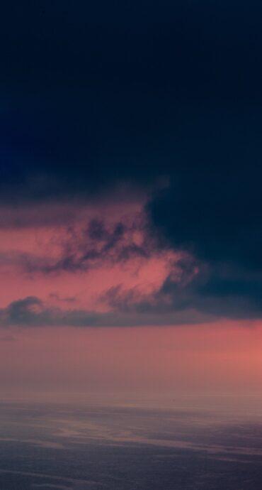 prime luci alba sul mare
